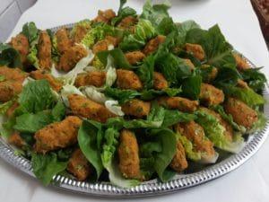 Servierplatte mit orientalischem Essen